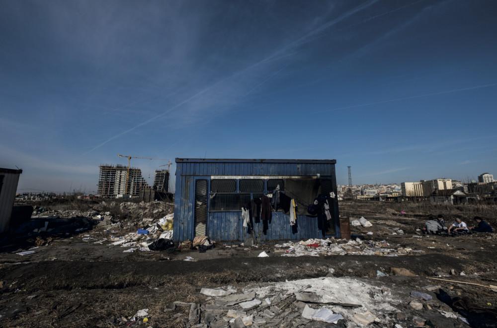 SUR LA ROUTE DES BALKANS : les effets néfastes des politiques anti-migratoireseuropéennes